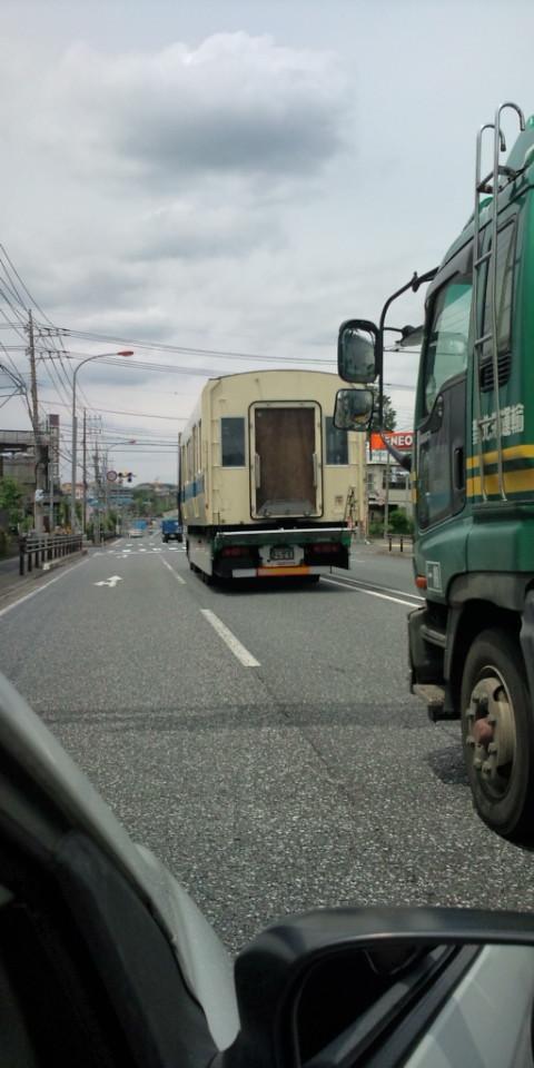電車が道路を☆アツ☆